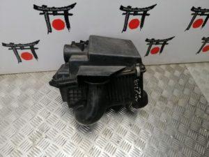 Korpus vozdushnogo filtra Mazda 6