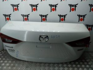 Krishka bagazhnika Mazda 3 BM BPY05261XB